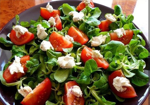 Рецепт легких салатов с помидорами