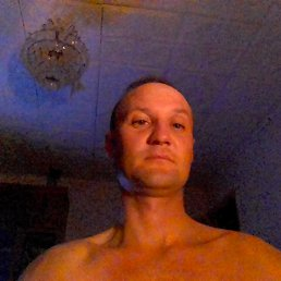 леонид, 47 лет, Балаково