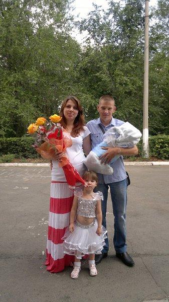 Фото - Моя семья: : я с мужем и наши детки любимые - ЛЮСИЧКА! Терентьева, 31 год, Новотроицк