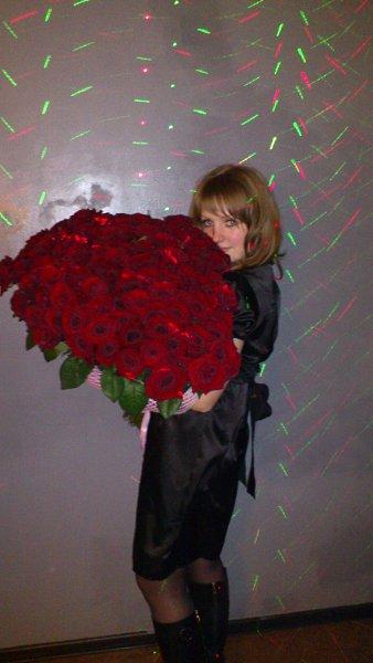 Фото подарка на Новый год: 101 роза! - катюха, 28 лет, Москва