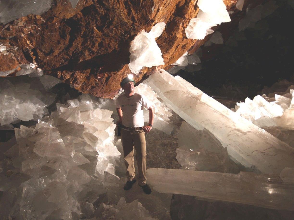 Кристальная пещера гигантов фото