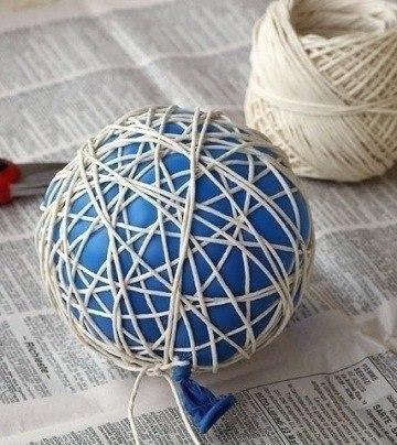 Креативный светильник. Вам понадобится: надувной шарик нитки клубок шерсти жгут шпагат или веревка ... - 2