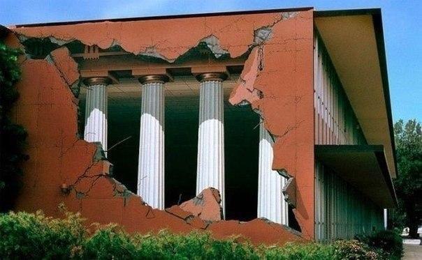 Рисунки на домах - хороший способ оживить серые и скучные городские постройки - 5