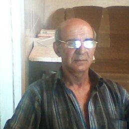 анатолий, 59 лет, Зоринск