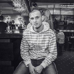 Вадим, 24 года, Малин