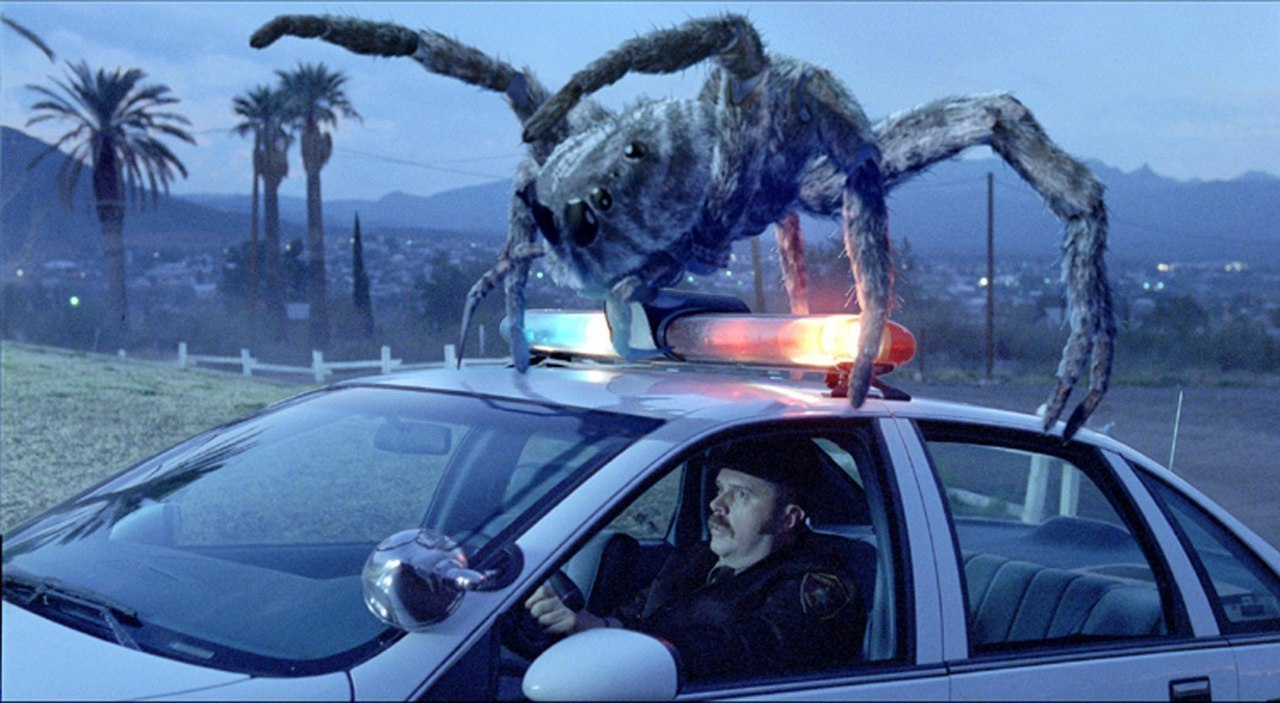 Атака пауков (2002).Жанр: ужасы, фантастика, боевик С грузовика, везущего опасные химические ... - 2