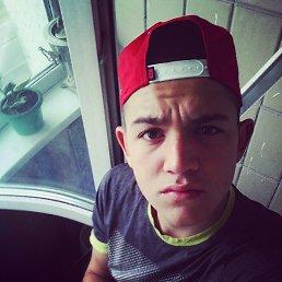 Rodion, 21 год, Дебальцево