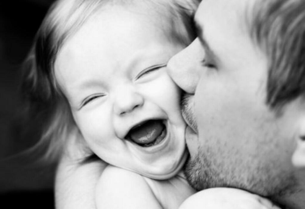 вот тот дочь целует отца картинки самца пускают
