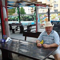 Валерий, 65 лет, Москва