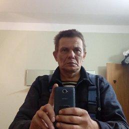 Виктор, 54 года, Рощино