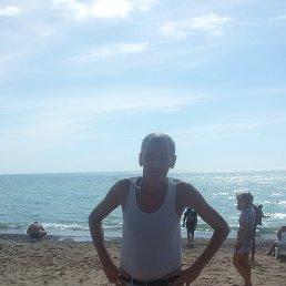 леонид, 55 лет, Чебоксары