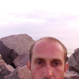 дмитрий, 38 лет, Рубежное