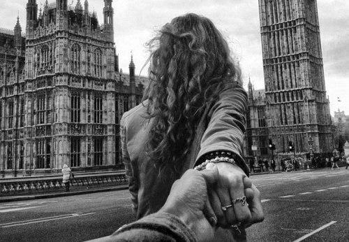 Однажды ты соскучишься по мне, Поймешь, что время учит, а не лечит… Что счастье – просто миг ...