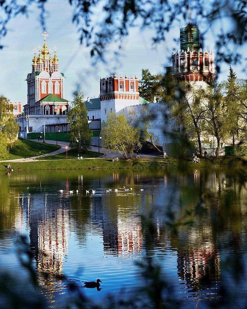 красивое место для фото весной москва точки зрения