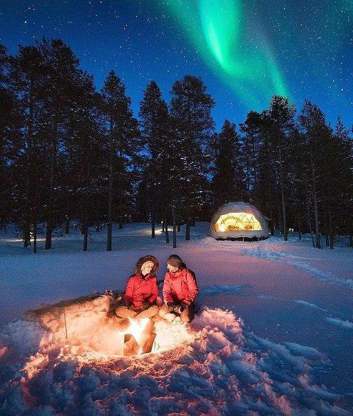 Лучший вечер - это тепло костра и близкий человек рядом