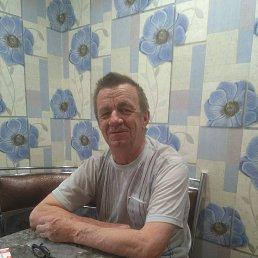 Николай, 67 лет, Калининск