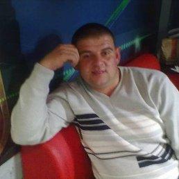 Павел, Орджоникидзе, 41 год