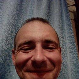 Олег, 32 года, Буск