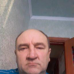 Виталий, 52 года, Ягодное