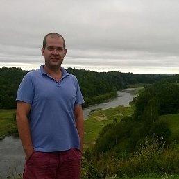 Oleg, 31 год, Узин