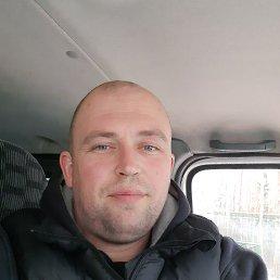 Валерий, 32 года, Валдай