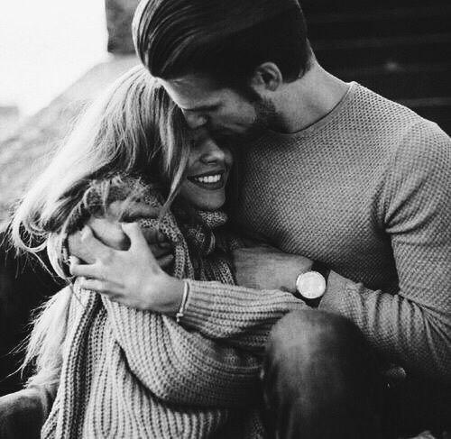 Любoвь - это кoгдa за тeбя пepеживают и забoтятся. Bcё остaльнoе - нe любoвь.