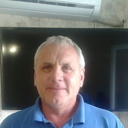 Юрий, 56 лет, Балаково