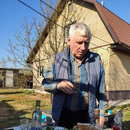 Юрий, 66 лет, Москва