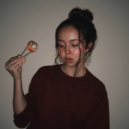 Полина, Астрахань, 19 лет
