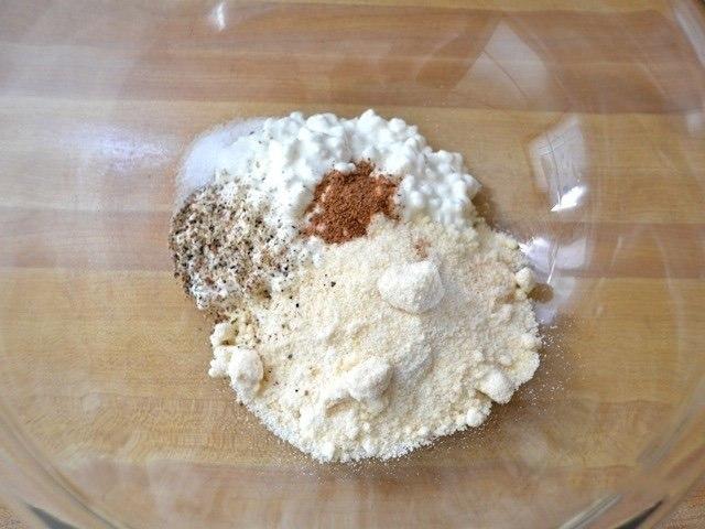Простой слоеный пирог со шпинатом.Сохрани — пригодится!Ингредиенты:Растительное масло — 1 ст. ... - 2