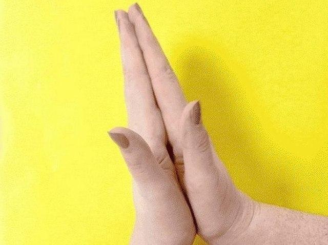 Держать себя за палец 20 секунд. Результат просто поразительный! Японские целители считают, что руки ... - 7
