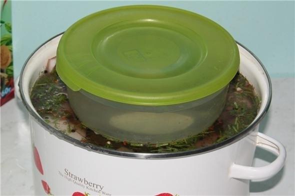 Рецепт вкусного сала.Составляющие продукты:2 кг сала2 литра воды6 ст. л. соли10 горошин перца ... - 4