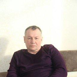Юрий, 56 лет, Гатчина