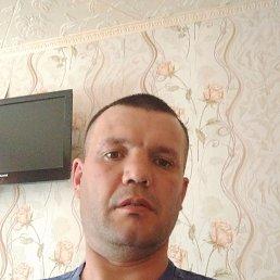 Виктор, 36 лет, Омск