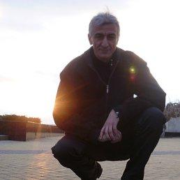 Виктор, 53 года, Донецк