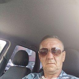 Валерий, 56 лет, Псков